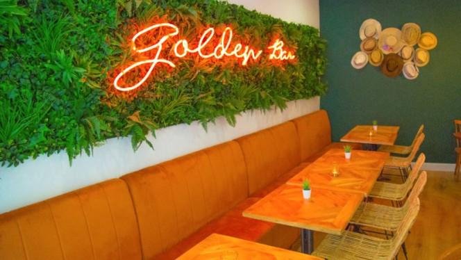 Sala del restaurant - Golden Bar Restaurant, Madrid