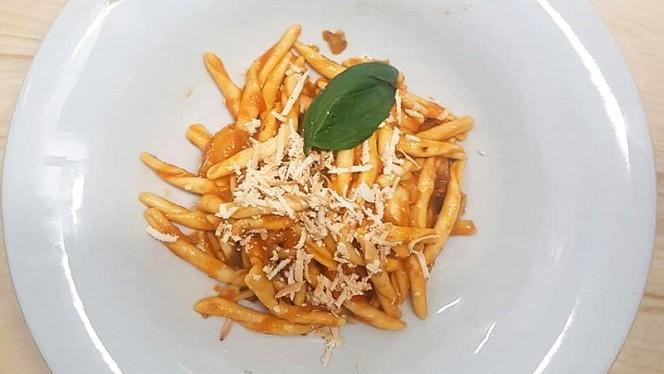 Maccheroni alla norma Siciliani - La Tana del Gufo, Milan