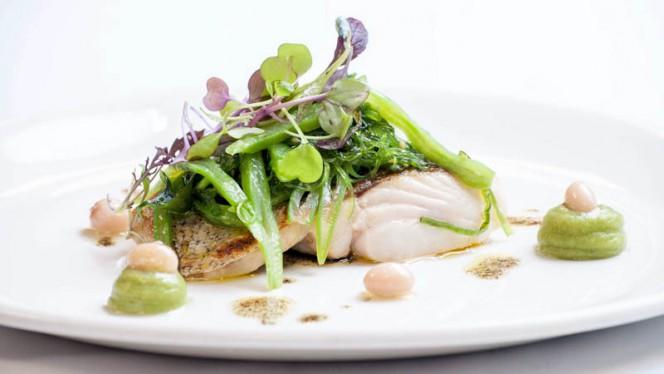 Merluza asada con ensalada de alga wakame y judía verde - Molino de San Lázaro, Zaragoza