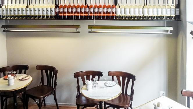Detalhe das mesas - Casa da Praia, Tapas e Wine Bar, Lisboa