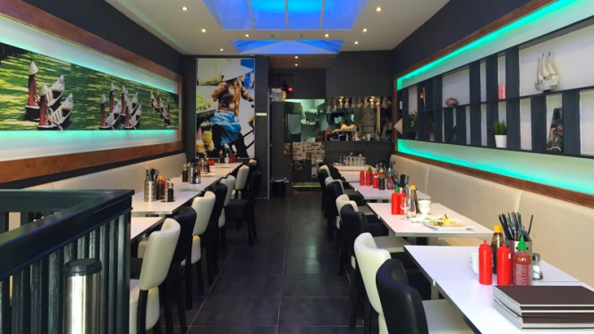 Salle du restaurant - Moï, Paris