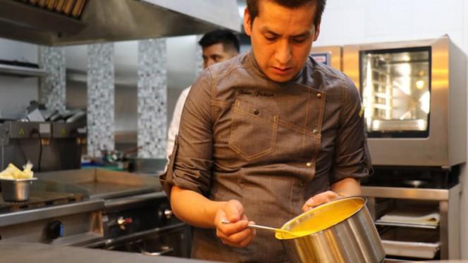 Chef - KECHUA FUSIÓN By Luis Barrios, Madrid