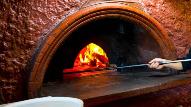 Il forno a legna - Saxo, Rome