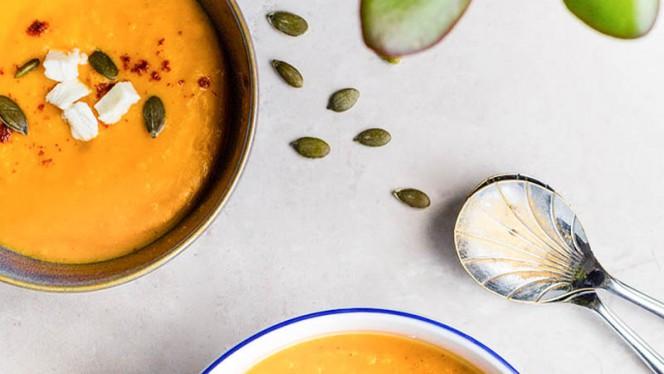 Dhal alla curcuma con semi di girasole e paneer (formaggio indiano). - Ganesha India - Ristorante Indiano, Rome