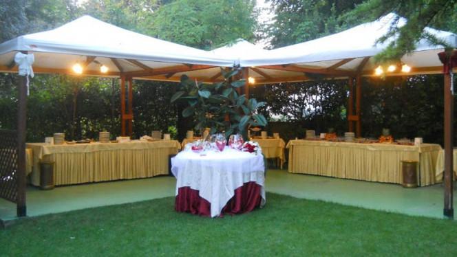 Buffet in giardino - Rustichello,