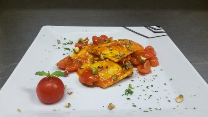 Ravioli di Cernia con pachino menta e pistacchio tostato - L'Acqua Salata, Civitavecchia