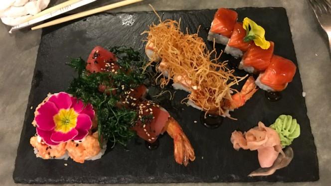 Sushi - Dove C'era l'Aquila, Cattolica