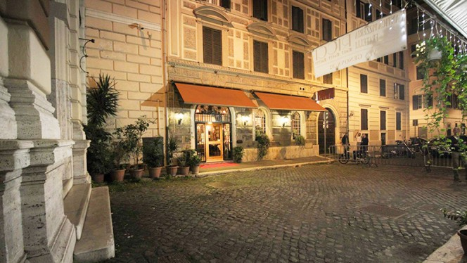 Esterno - Gandhi 2, Rome