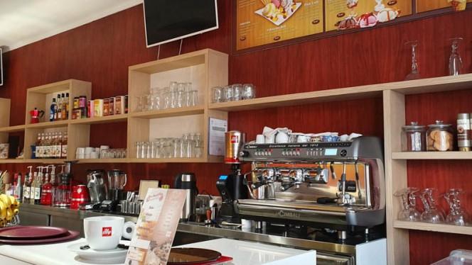 Vue de la salle - Café l'Aiglon, Marseille
