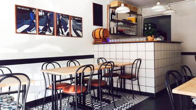 salle - Chez Hibou, Bordeaux