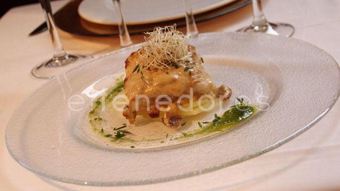 Merluza ajada con reducción de boletus y patatas confitadas - Divina La Cocina, Madrid