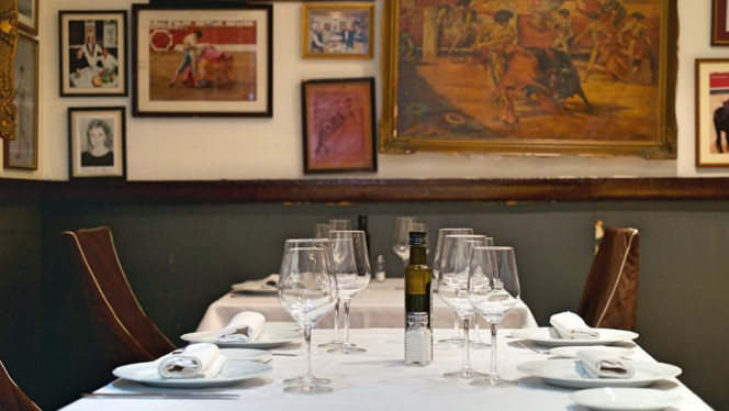 Detalle mesa - El Rincón de Esteban, Madrid