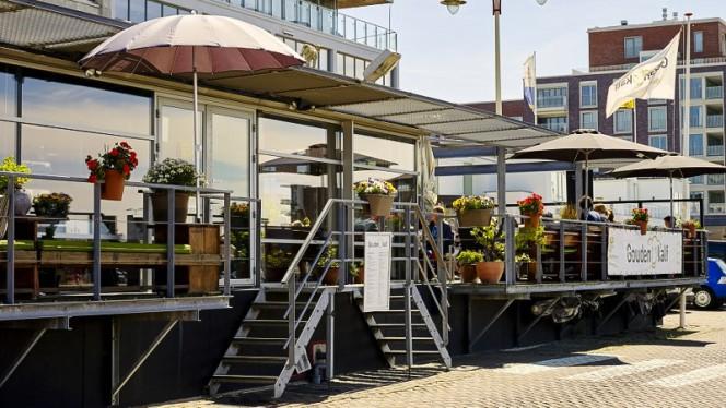 Ingang - Brasserie Het Gouden Kalf, Den Haag