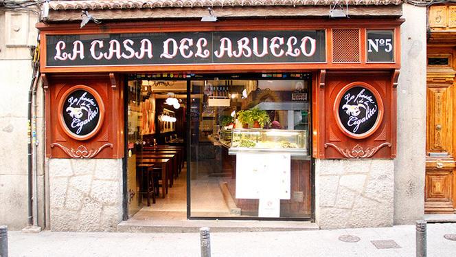 Fachada - La Casa del Abuelo - Núñez de Arce, Madrid