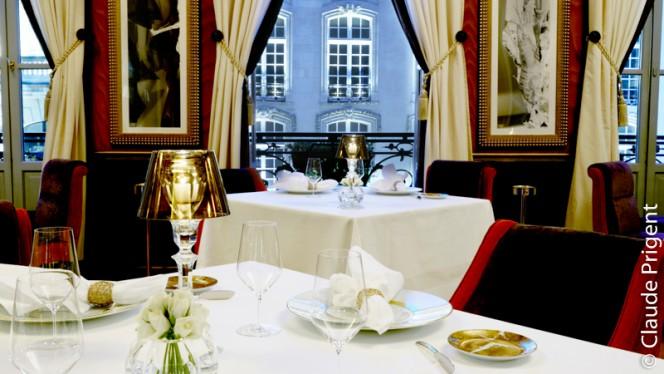 Table dressée - Le Pressoir d'Argent - Gordon Ramsay, Bordeaux