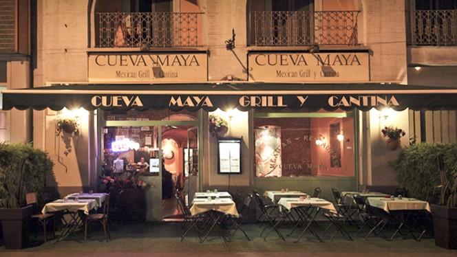 esterno - Cueva Maya, Milan
