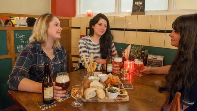 To share.... - Lokaal Zeven, Tilburg