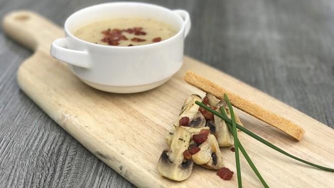 """Wisselende soep - """"De Hof"""", Renswoude"""