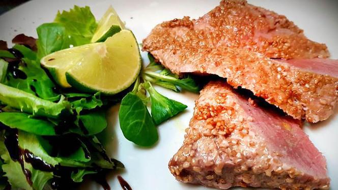 Trancio di tonno in crosta di sesamo - Sorsi&Morsi, Civitavecchia