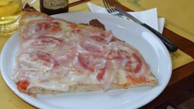 pizza con bacon - La Bottega della pizza, Sesto San Giovanni