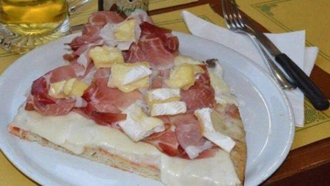 pizza con brie - La Bottega della pizza, Sesto San Giovanni