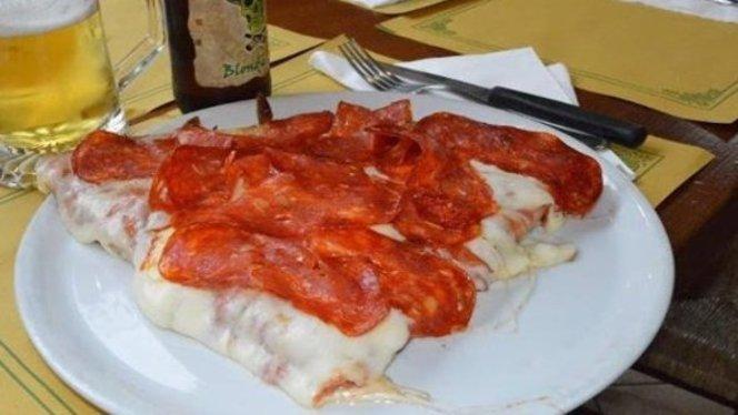 pizza con salame piccante - La Bottega della pizza, Sesto San Giovanni