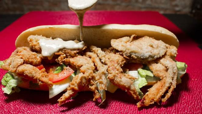 Po´Boy de Cangrejo - Trikki Nueva Orleans Traditional Cuisine, Madrid