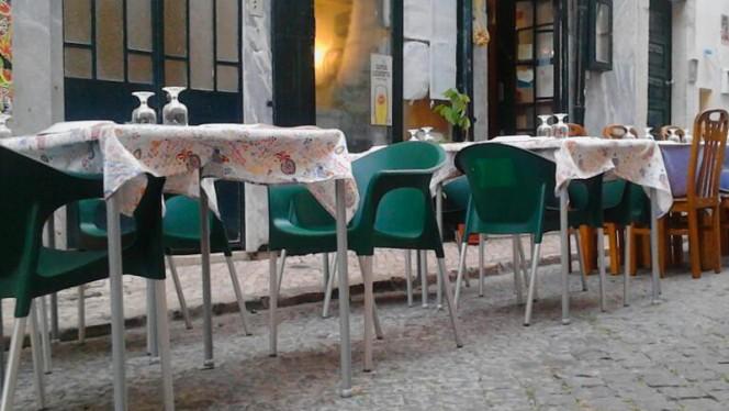 Esplanada - Caçador da Oliveira, Lisboa
