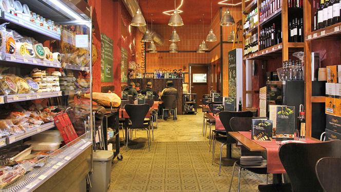 charcutería, quesos y vinos - Los Bellota Sagrada Familia, Barcelona