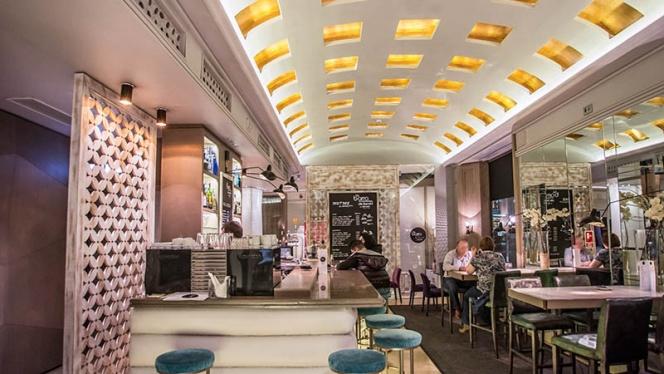 Vista sala - La Barra de Sandó - Hotel Santo Domingo, Madrid