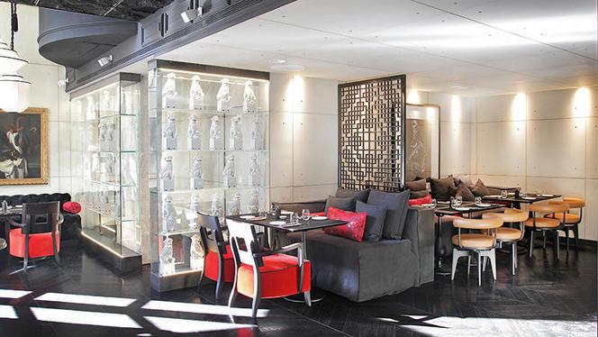 mr kao 1 - MR KAO - Hotel Claris, Barcelona