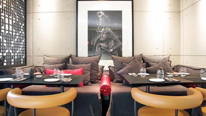 mr kao 3 - MR KAO - Hotel Claris, Barcelona