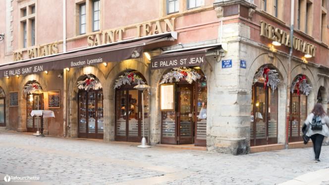Devanture - Le Palais de Saint Jean, Lyon