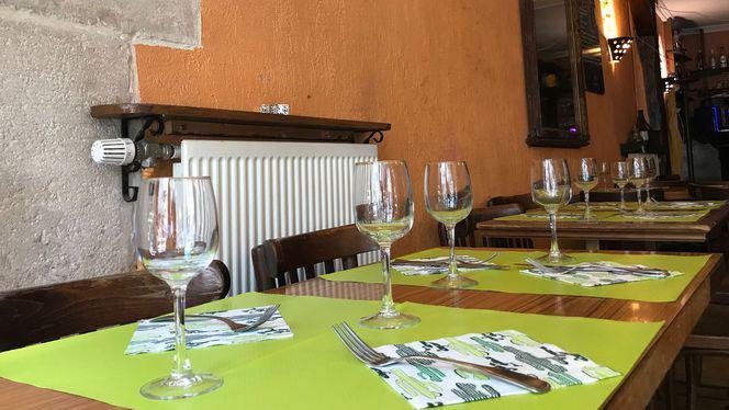 Table - Le Tibesti, Paris