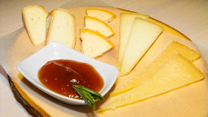 tabla de quesos - Vermutería Masnou, Barcelona