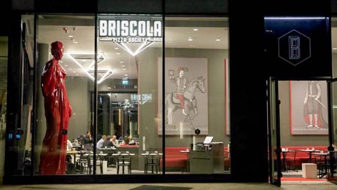 Facciata - Briscola Pizza Society - Porta Nuova, Milan