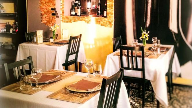sala principale - Prosit - Wine & Restaurant, Turin