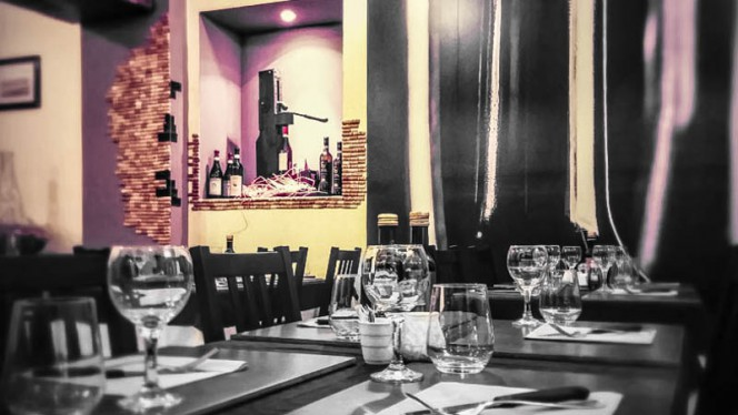 tavoli - Prosit - Wine & Restaurant, Turin