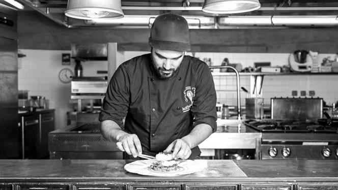 Chef - Mensagem - Restaurante e Bar Panorâmico, Lisboa