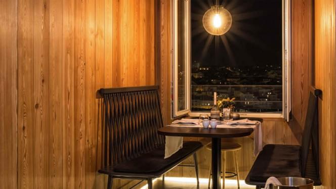 Vista do interior - Mensagem - Restaurante e Bar Panorâmico, Lisbon