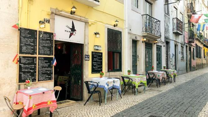 Entrada - Mannys Place, Lisbon