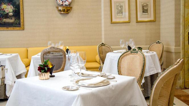 Detalle mesa - El Jardín de Orfila por Mario Sandoval  -  Hotel Orfila, Madrid