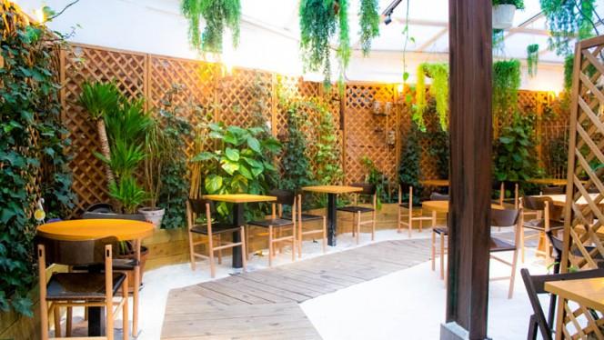Vista del interior - Grama Lounge, Madrid