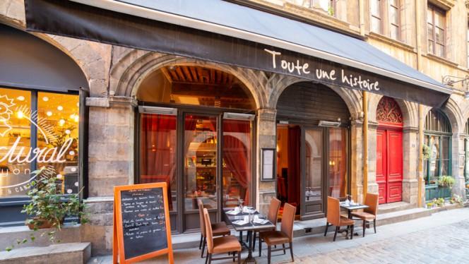 Terrasse - Toute une Histoire, Lyon