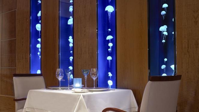 Table dur restaurant - Le Bayview by Michel Roth - Hôtel Président Wilson, Genève