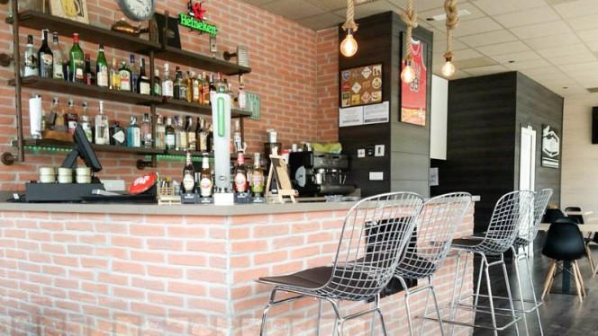 Vista barra - The Roast & Beer, Valencia