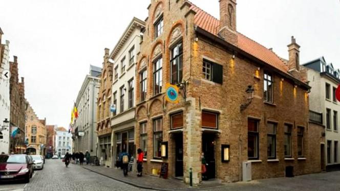 Restaurant's front - De Gouden Kroes, Bruges