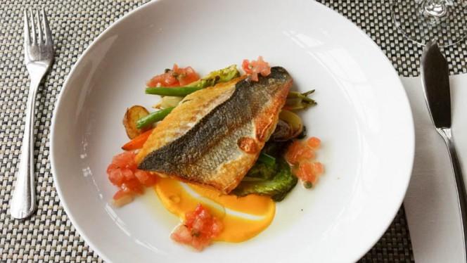 Zeebaarsfilet - Polderrestaurant De Haven van Eemnes, Eemnes