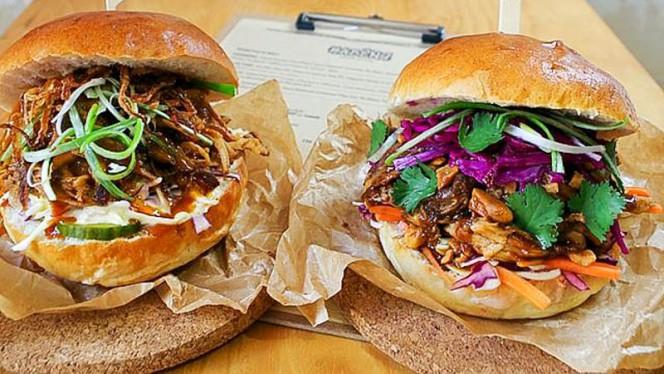 Deux des burgers a la carte - Kabëng, Bordeaux