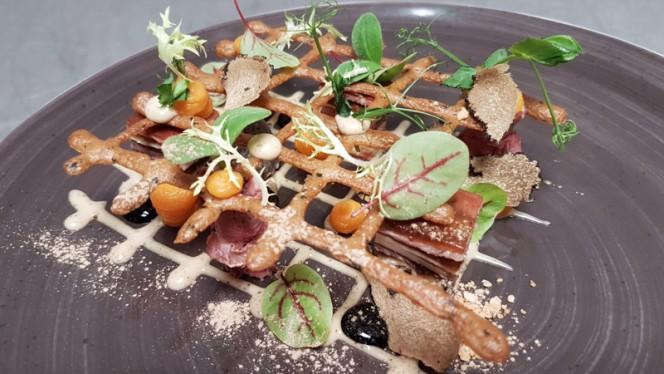 Marbré van runderstaartstuk met eendenlever en truffel - Amused Food & Wine, Hardenberg